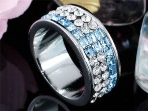 Ring w/ Swarovski® Elements Crystals
